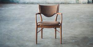 چطور لقی پایههای صندلی را بگیریم
