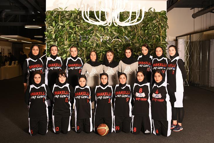 حضور تیم بسکتبال نوین چوب در افتتاحیه خانه تخصصی کابینت پاراکس