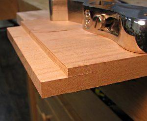 پله ای کردن قطعات چوب