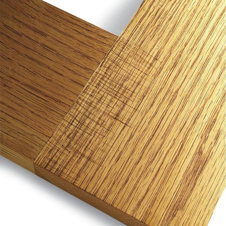 سنباده کاری در سطح چوب